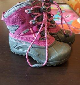 Продам зимнию обувь для девочки