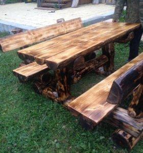 Массивный стол и лавочки