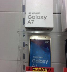 Телефон Samsung Гэлакси а семь 2017 г.