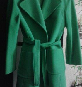 Пальто в отличном состоянии.