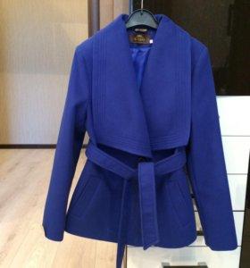 Новое женское пальто 46 р-ра
