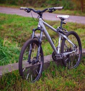 Велосипед Jamis Comido 1.0