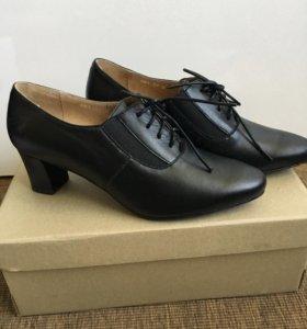 Новые кожаные туфли. Р 37