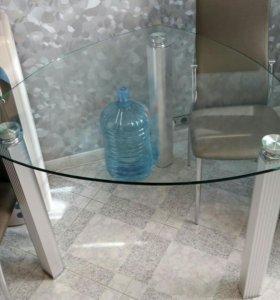 Стол обеденный/кухонный/ стеклянный