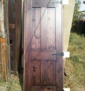 Двери из масива сосны