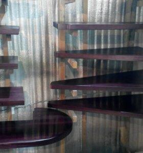 Лестница из масива дерева