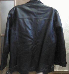 Мужская кожаная куртка.