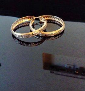 Золотые сережки VERSACE
