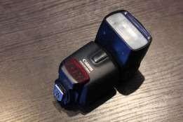 Вспышка Canon speedllite 430 ex 2