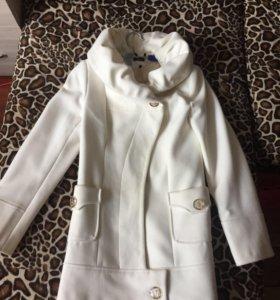 Пальто на 42-44