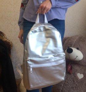 Рюкзак женскиий