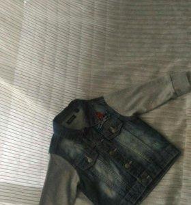 Стильная джинсовая курточка на ребенка 2-3года