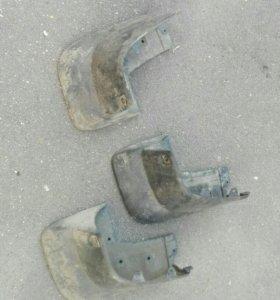 Брызговик задний правый Pajero Sport 2 с 08