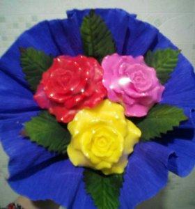 Мыльный букет из 3х цветков.