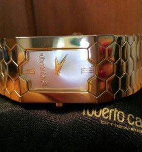 Часы женские Roberto Cavalli RC-BEEHIVE