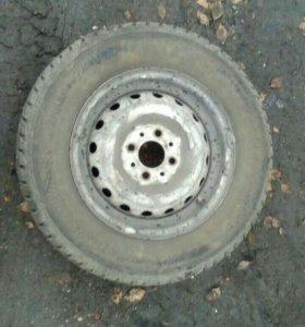 Зимнии шипованные колёса