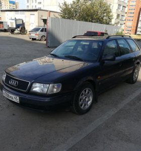 Автомобиль Audi 100