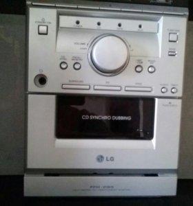 """Музыкальный комплекс""""LG""""(СD-диск,кассетник,радио)"""