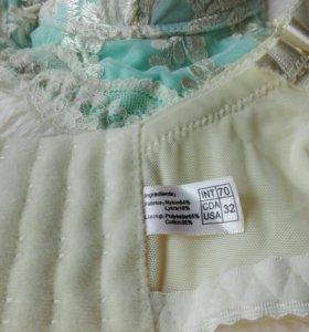 Комплект нового нижнего белья
