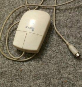 Мышь с шариком