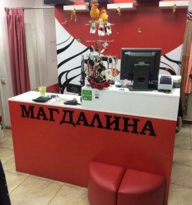 Торговая мебель для магазина одежды.