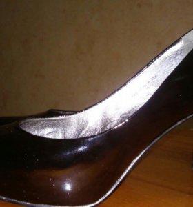 Прекрасные лаковые туфли