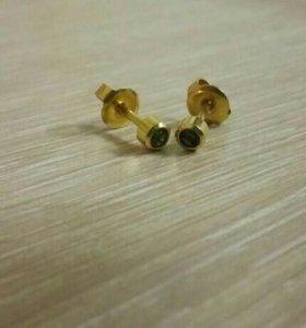 Гвоздики из медицинского золота.