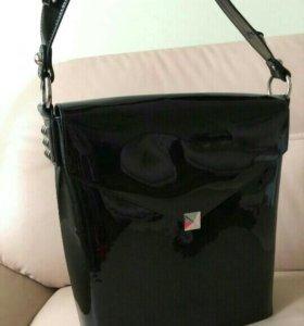 Лаковая сумка Folli Follie