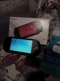 PSP E1008+2 игры