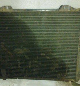 Радиатор охлаждения Nissan Vanetеу 1993г. дв. S-22