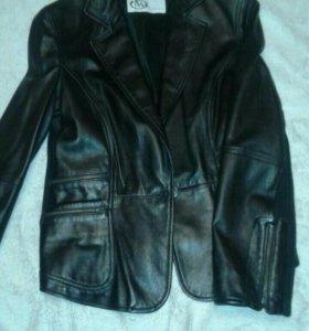 Куртка, кожа натуральная.