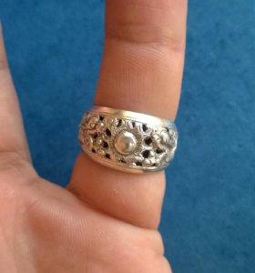Оригинальное кольцо из Азии. Вес 4,22 Размер 18,5