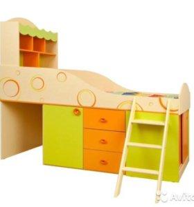 Детская кровать со шкафами