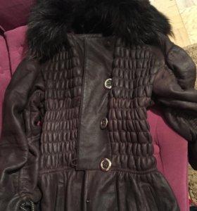 Стильная дубленка-пальто