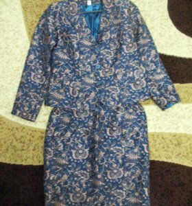 Костюм женский (пиджак и юбка)