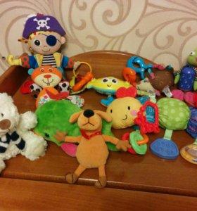 Игрушки подвески и мягкие игрушки в подарок