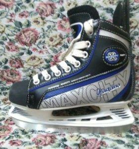 Коньки хоккейные,38