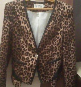 Пиджак очень красивый