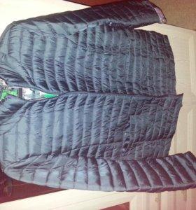 Куртка осенняя размер 54-56, цвет черно-зеленый