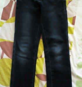 Утепленные джинсы на девочку , р.146см