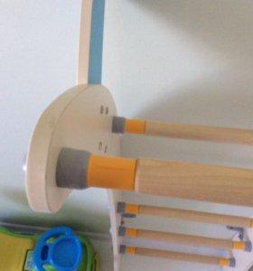 Детская лестница с игрушками