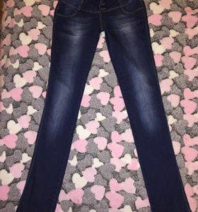 Темно-синие джинсы Cash, прямые