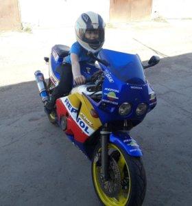 Продам Honda CBR 400rr