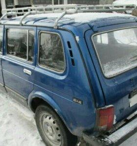 ВАЗ 2131(пятидверная нива)