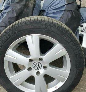 Колёса Volkswagen в сборе в чехлах