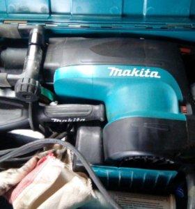Перфоратор Makita HR5201C
