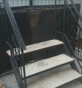 Входная лестница к дому, веранде и т.п.