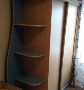 детский гарнитур (кровать+матрац, шкаф купе, стол)