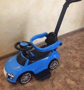 Машина толокар Audi