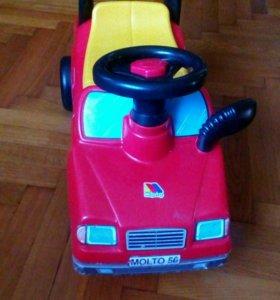 Детский автомобиль каталка.
